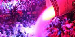 Mad Club Lausanne en Limousine - Vous ne faites pas partie des 300'000 clubbers qui fréquentent ...